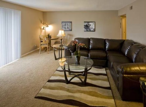Villa Vinee Apartments Central Omaha Location 1 Amp 2